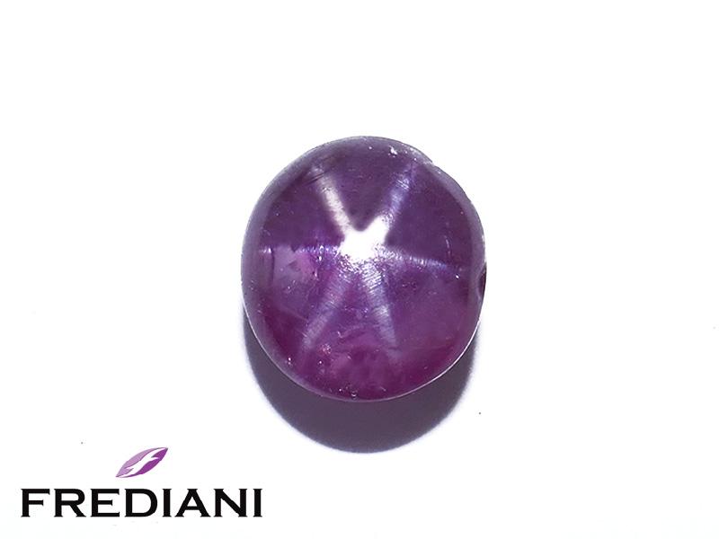 Saphir violet étoilé naturel