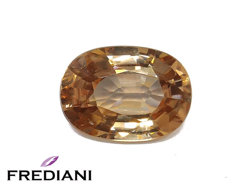 Zircon brun ovale naturel