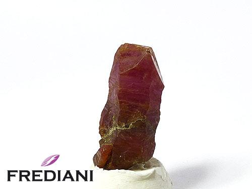 Cristal de rubis naturel