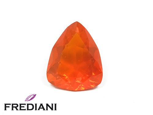 Opale de feu triangulaire naturelle