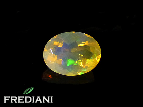 Opale ovale facettée naturelle