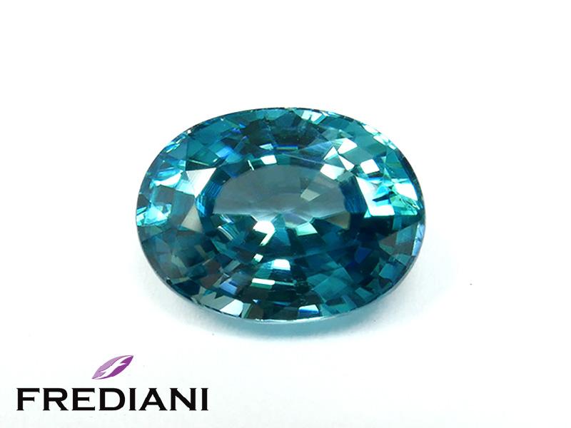 Zircon bleu ovale