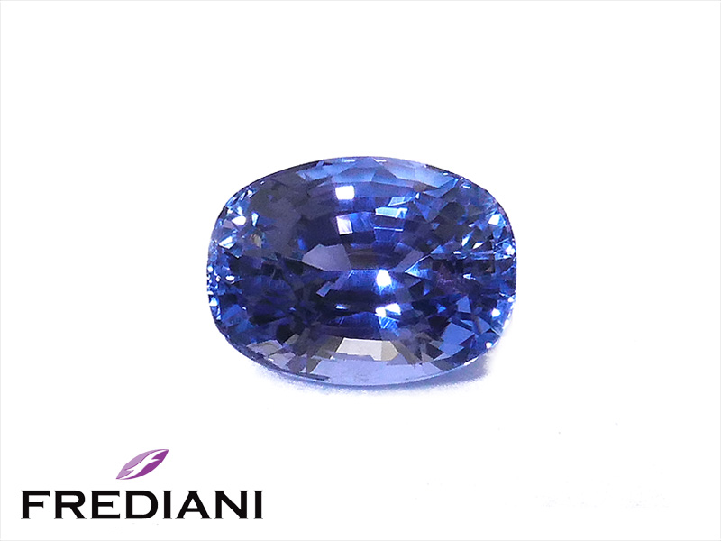 Saphir bleu ovale naturel certifié