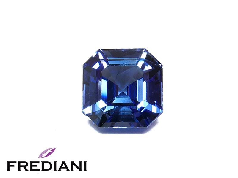 Saphir bleu carré certifié
