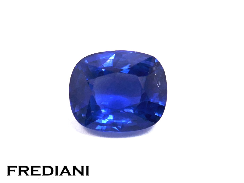 Saphir bleu coussin certifié