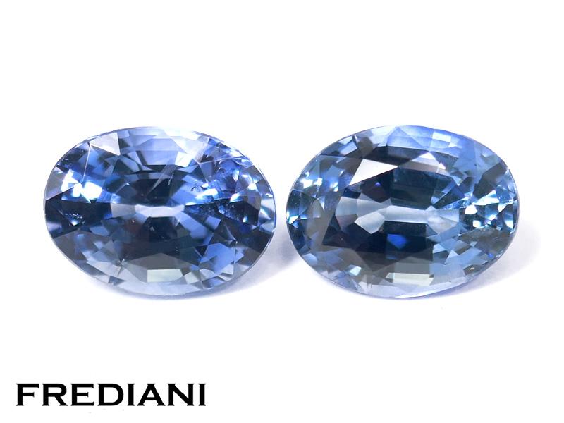 Appairage de saphirs bleus ovales