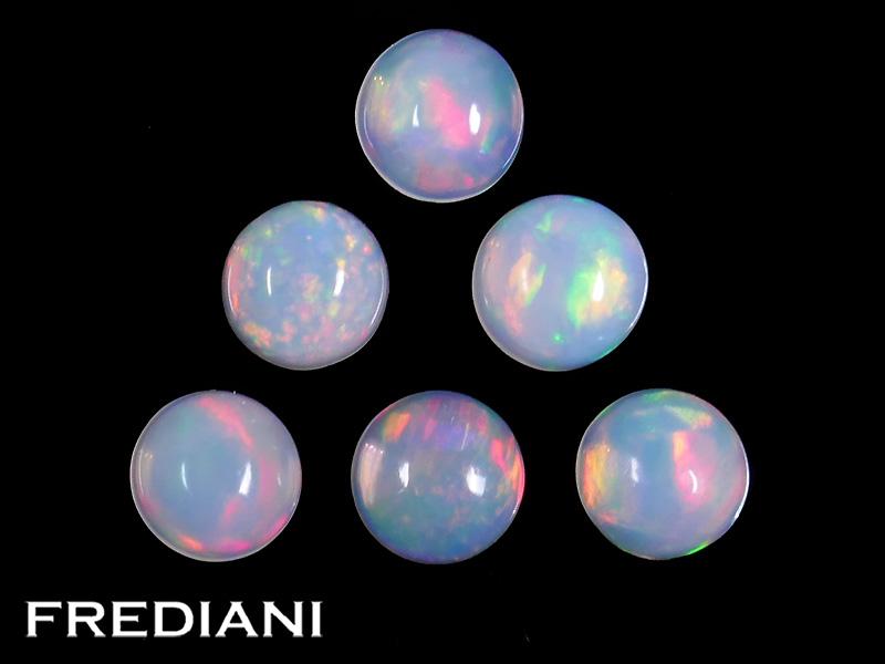 Lot d'opales rondes cabochons naturelles