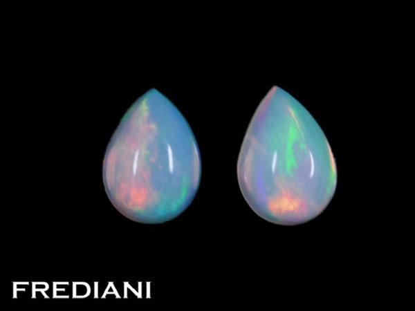 Appairage d'opales poires cabochons naturelles