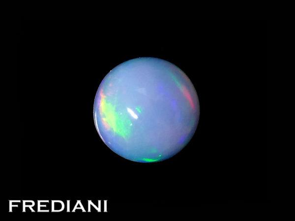 Opale ronde cabochon naturelle