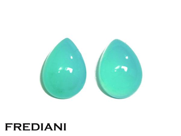 Appairage d'opales bleues poires cabochons naturelles