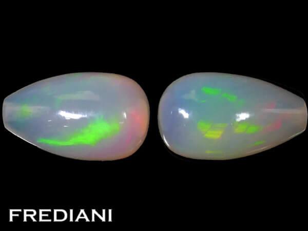 Appairage de pampilles d'opales naturelles